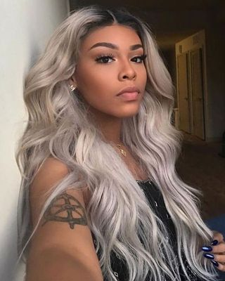"""24"""" Grey Wigs For African American Women The Same As The Hairstyle In The Picture"""