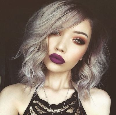 """12"""" Wavy Grey Wigs For African American Women The Same As The Hairstyle In The Picture"""