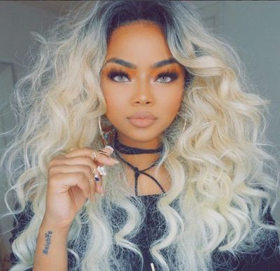 """20"""" Wavy Grey Wigs For African American Women The Same As The Hairstyle In The Picture"""