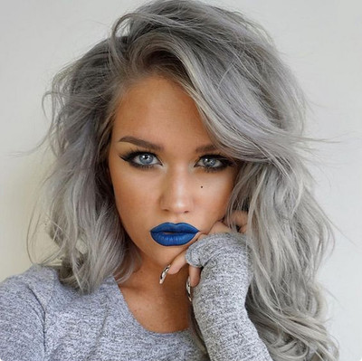"""14"""" Wavy Grey Wigs For African American Women The Same As The Hairstyle In The Picture"""