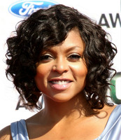 "12"" Wavy Medium Wigs For African American Women The Same As The Hairstyle In The Picture"